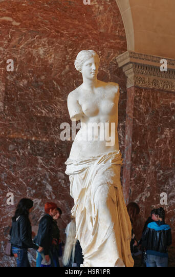 an overview of the features of the statue of aphrodite of milos Milos is a volcanic greek island in the aegean sea, just north of the sea of crete milos is the southwesternmost island in the cyclades group the island is famous for the venus de milo, a statue of aphrodite, now in the louvre.