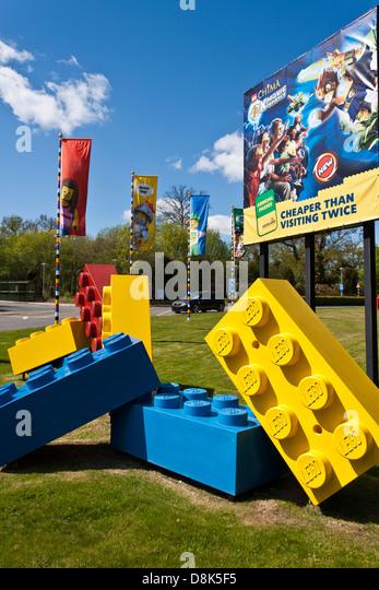 entrance-to-themed-legoland-amusement-pa