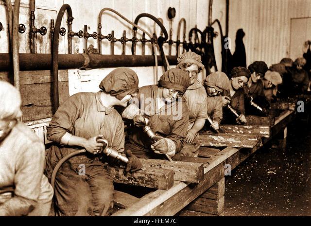 women-workers-in-ordnance-shops-midvale-