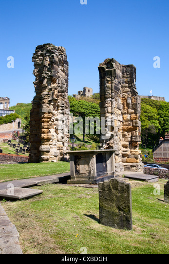 Castle Ruins from St. Marys Churchyard, Scarborough, North Yorkshire, Yorkshire, England, United Kingdom, Europe - Stock Image