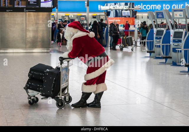 father-christmas-waits-at-t5-heathrow-ai