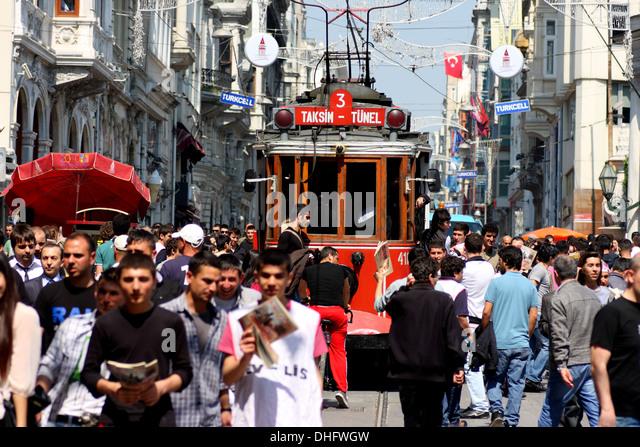 tram-on-a-crowded-istiklal-caddesi-istan