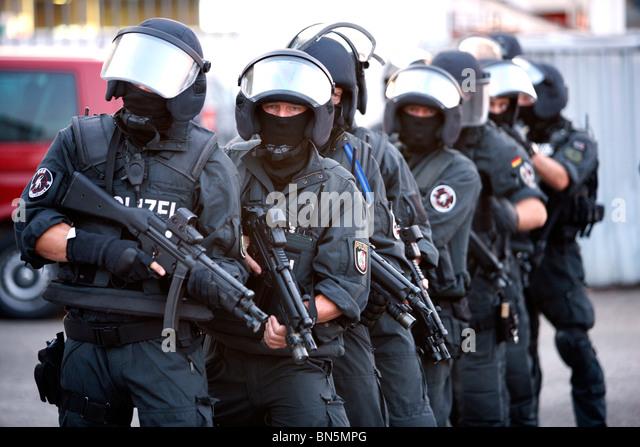 police and swat teams