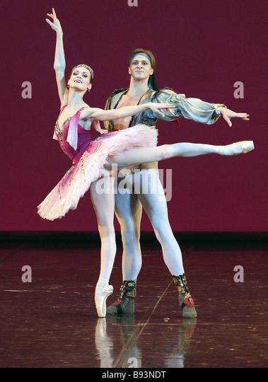 Видео голая балерина в мариинке