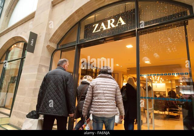 zara managing stores for fast 4 may 19, 2017 deborah weinswig, managing director, fung global retail & technology deborahweinswig@fung1937com us: 9176556790 hk: 85261191779 cn: 8618614203016.
