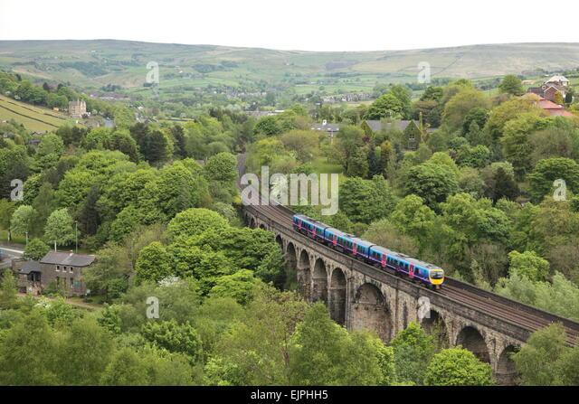 a-first-transpennine-express-train-cross