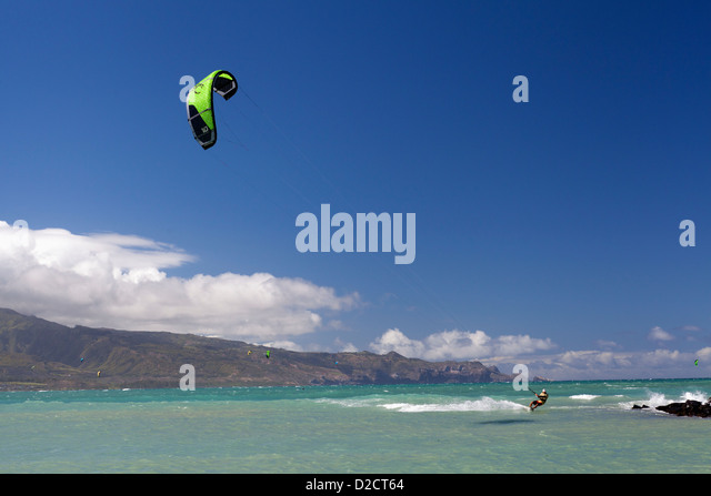 Whitehaven beach kitesurfing