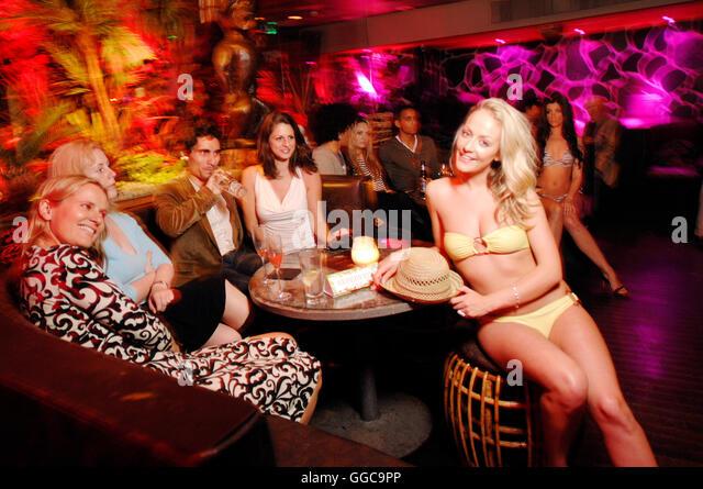 Swingers bar roseville Michigan (MI) Swingers Clubs