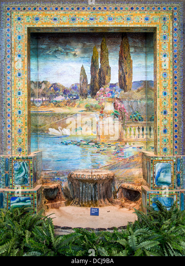 20th century - Landscape of garden and fountain - Louis Comfort Tiffany (New-York City, 1915) - Metropolitan Museum - Stock Image