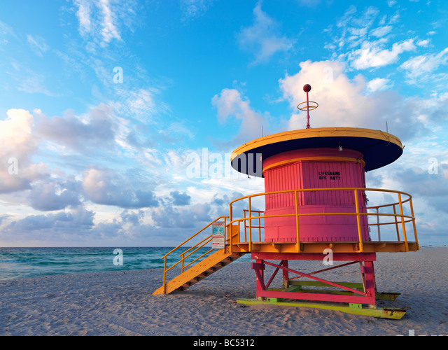 Art Deco style lifeguard station  on South Beach Miami at sunrise - Stock Image