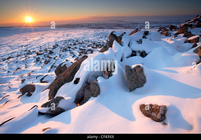 Winter sunset from the peak of Sharpitor with views across to West Devon. - Stock Image