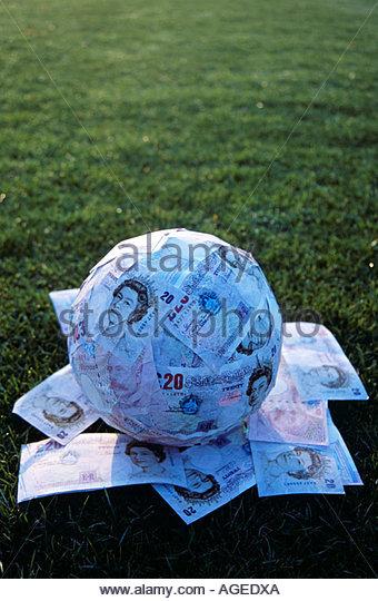 football-3--paul-thomas-gooney-agedxa.jp