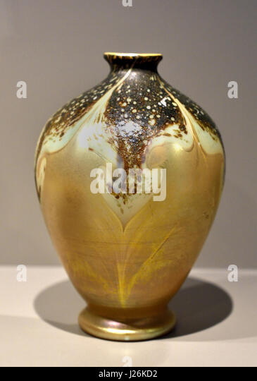 Vase from the series CYPRIOTE 1899 by Louis Comfort Tiffany 1848 –1933 Art Deco Art Nouveau New York , American, - Stock Image