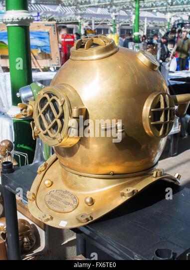 us-navy-mk-v-brass-diving-helmet-tynemou